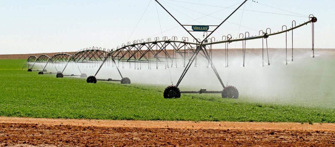 Irrigation (center pivot)_shutterstock_86574343_RGB 72dpi